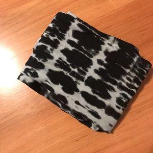 Black tie dye Lularoe leggings OS